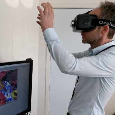 running simulation in biotechnology VR
